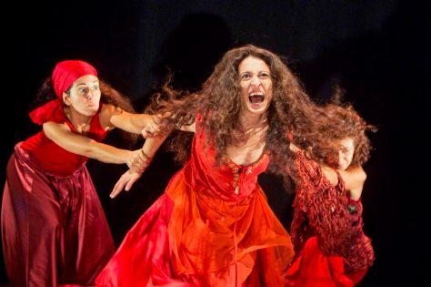 """En Huelva en el Teatro Capitol Sierra el 22 de Noviembre tenemos en teatro """"La Celestina, la tragicomedia"""". De la Cía. Atalaya. Dentro del Programa Enrédate, de la Junta de Andalucía."""