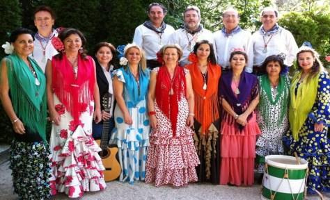 """En CORDOBA, nos encontramos con un """"CANTARILLO ROCIERO"""" organizado por el Ayuntamiento de Córdoba, y con la participación del Coro Amigos del Rocía y el Coro Yerbabuena. Este evento tendrá lugar el sábado 20 de diciembre a la 13.00h en el entorno de la Calahorra."""