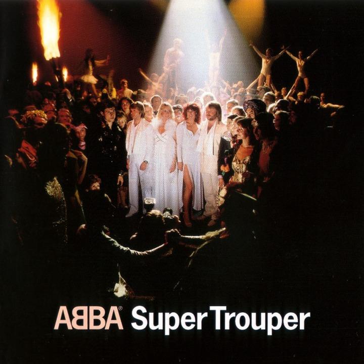 Y, por último, SUPER TROUPER, EL MUSICAL DE ABBA llega a la provincia de HUELVA. Durante los días 23 y 24 de enero, podremos disfrutar de este espectáculo inspirado en los grandes éxitos de la banda sueca. Un plan diferente,  para no quedarte en casa este fin de semana. En Lepe, a las nueve de la noche en el Teatro Juan Manuel Santana.