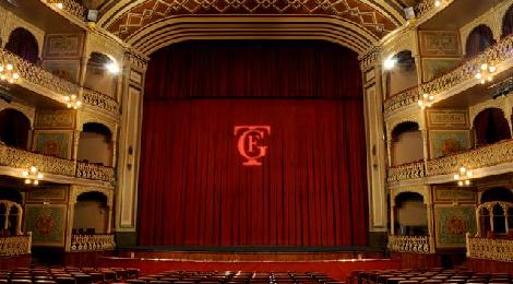 CÁDIZ  se viste de fiesta en su último fin de semana de carnaval 2015 en el Gran Teatro Falla.