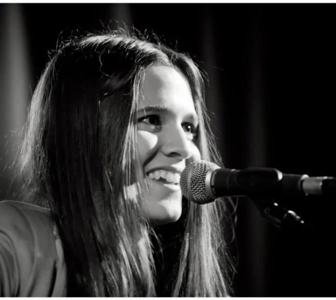 María Gutiérrez nos contagia con música