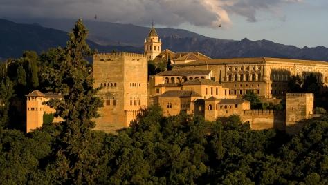 En Granada Capital se llevará a cabo esta semana el espectáculo flamenco Los Anfitriones de la mano de la compañía Mula Palmero y Gea. Este espectáculo se celebra dentro del Palacio de los Olvidados, situado a los pies de la Alhambra.