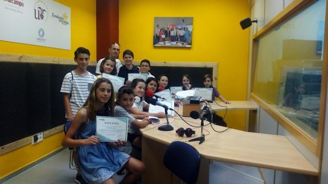 Alumnos del colegio Manuel Alonso nos regalan un programa de radio